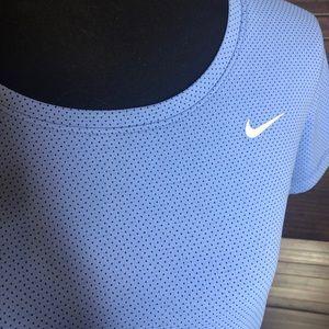 Nike Tops - Women's Nike dri-fit tee